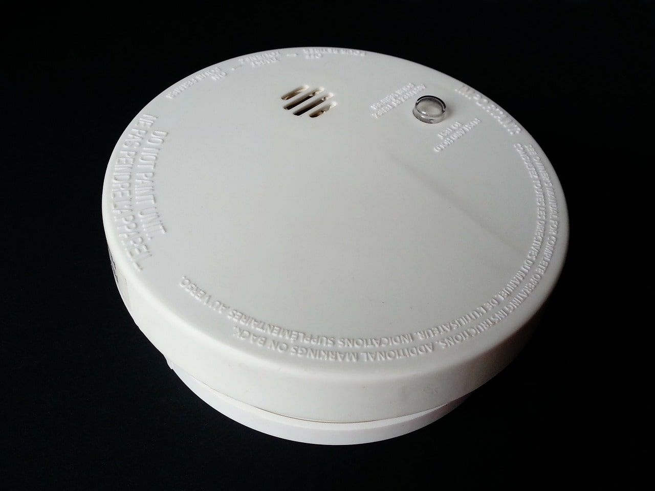 Smoke alarm hush button
